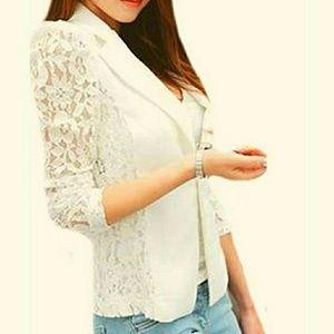 White lace blazer. SMALL